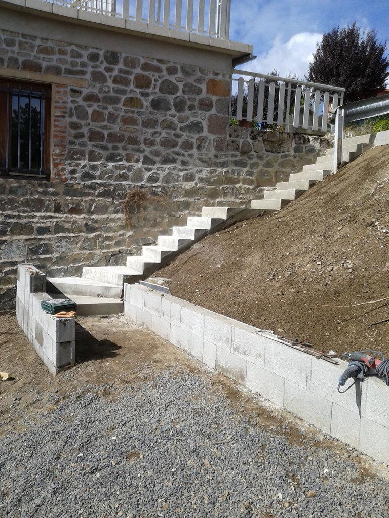 Escalier à Vaux en Beaujolais